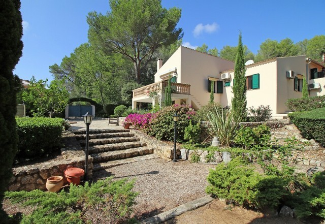 How to buy real estate in Pollensa