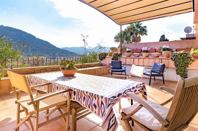 Townhouse for sale in Pollensa on the Calvario Steps