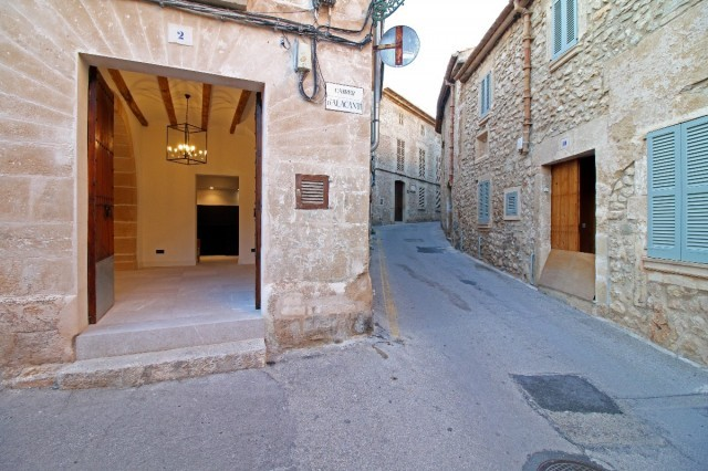 Amazing town houses to buy in Pollensa